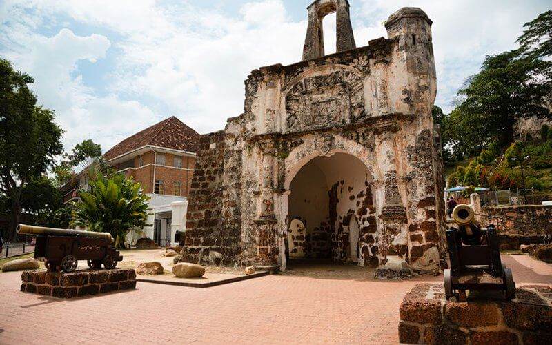 Porta De Santiago